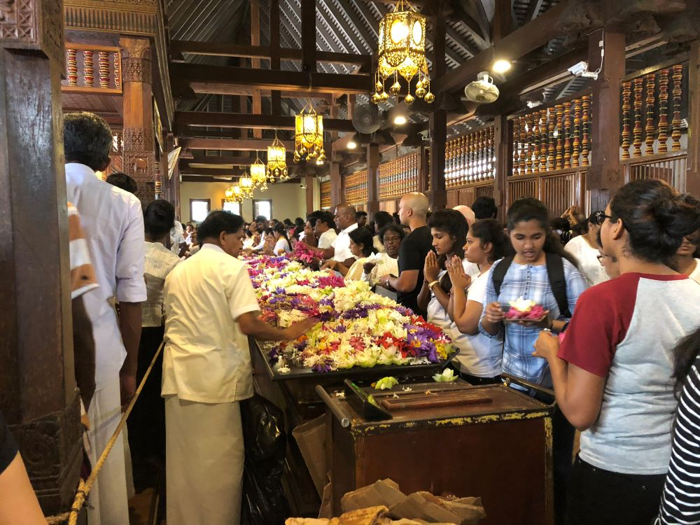 Best things to do in Sri Lanka - Visit Kandy and the Temple of the tooth ceremony